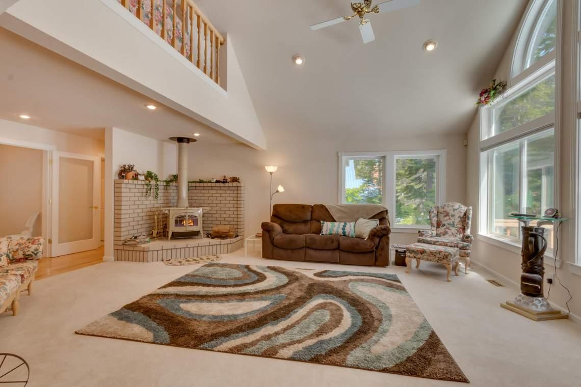 15244_Swiss_Ln_Truckee_CA-large-004-5-Living_Room-1500x1000-72dpi